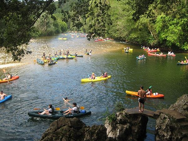 active recreation, rent a canoe on the river,