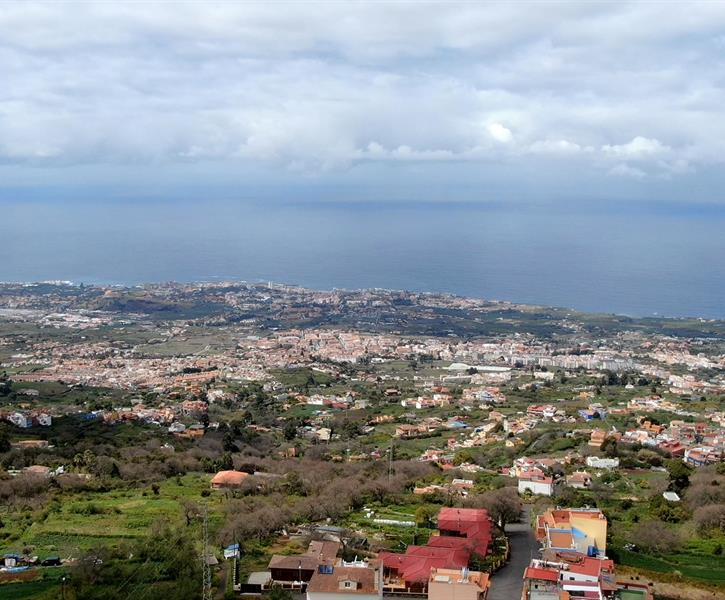 amazing views over La Orotava Valley, the ocean and Mt. Teide