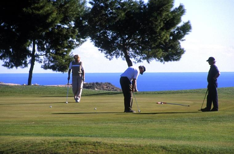 Bonalba Golf Resort, close by and very relaxing!