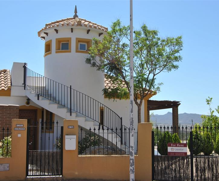 Casa Mirador on great location and big garden.