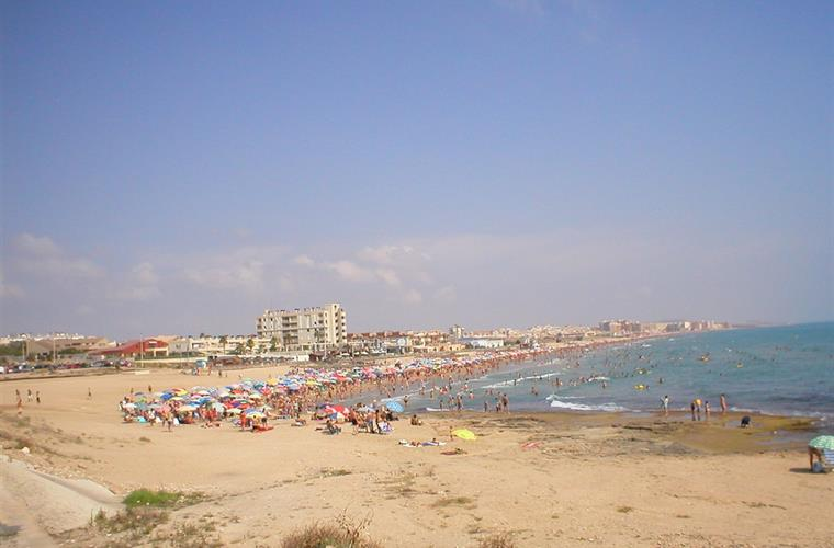 la mata beach ..5-10 minutes with car