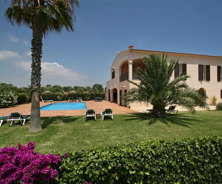 YOUR HOLIDAY HOME IN  MALLORCA