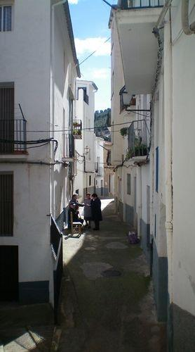 narrow streets in Lucena del Cid