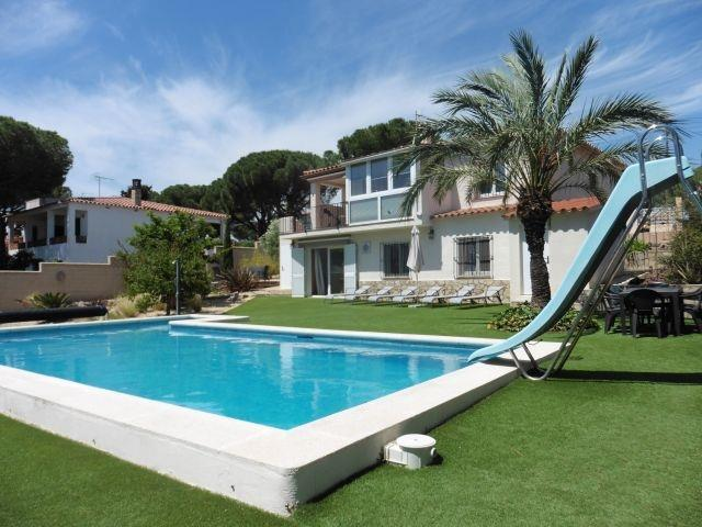 Villa BIANYA with 5 x 10 m pool with slide
