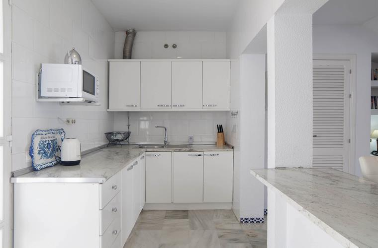 Kitchen, small dishwasher, micro, kettle etc