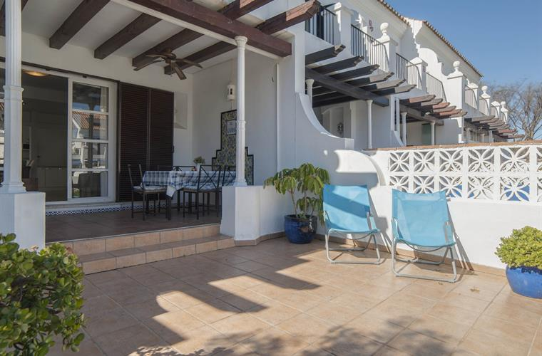 Patio, sunchairs and 2 sunbeds available.