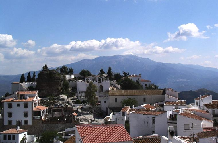the village of Comares is only a short distance away