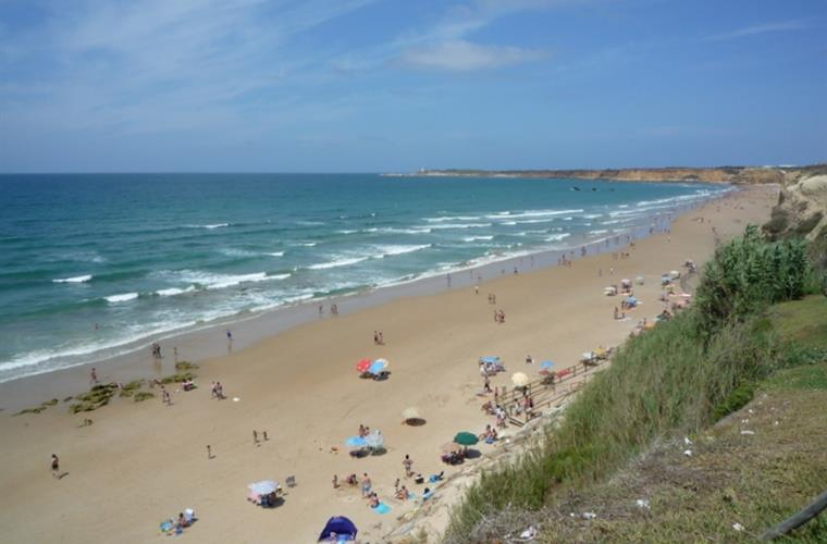 Fuente del Gallo beach, Conil - clean, safe and never too busy