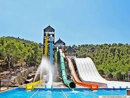 Have a splashing time with all the family at Aqualandia!