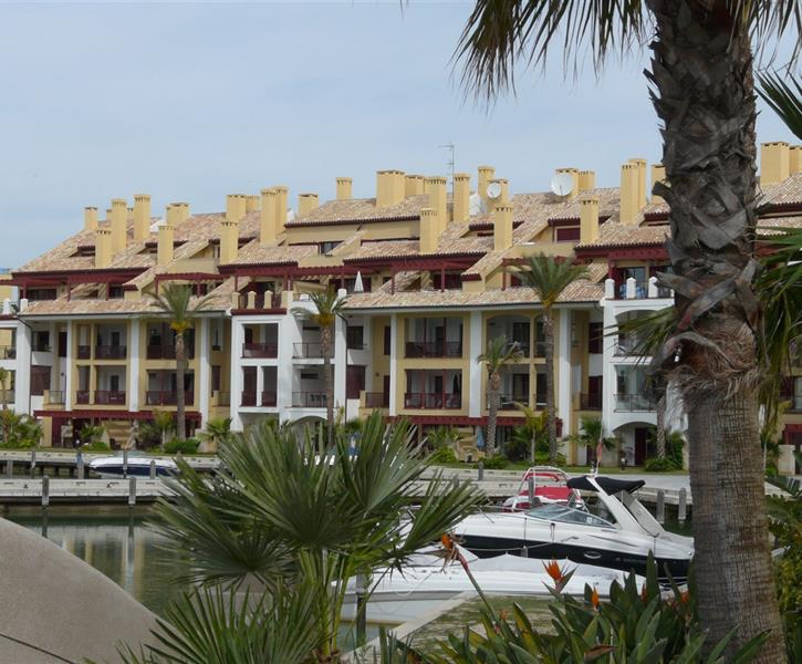 holiday rentals in sotogrande villas apartments for rent