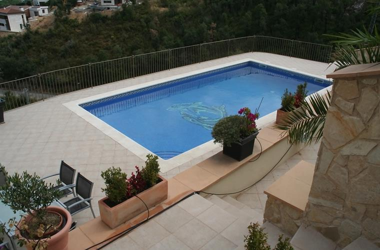 View on swimmingpool