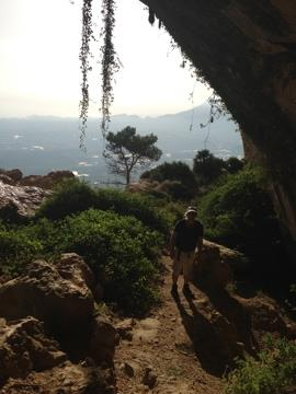 "To the ""Forat""cave at the Sierra de Bernia"