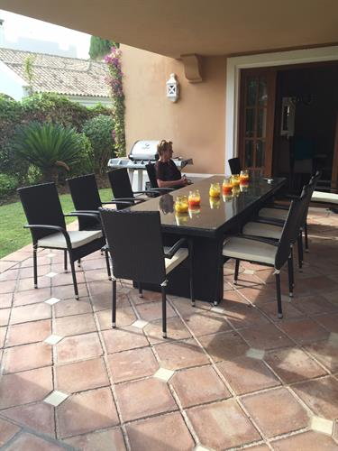 Brand new 10 seater rattan outside table and chairs for 2016