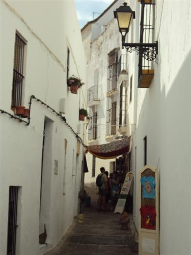 The narrow streets of Vejer